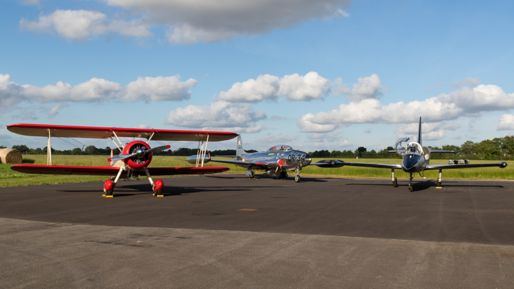 PT-17 Super Stearman + CT-133 Silver Star + L-39 Albatros